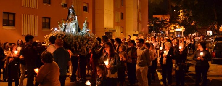 Procissão iluminou ruas de Telheiras