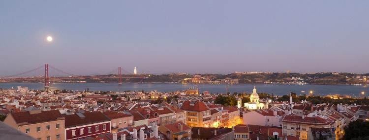 Lisboa e os seus contrastes capa